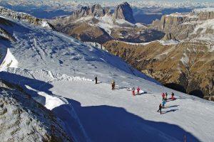 Prestiżowe destynacje narciarskie – które stoki warto odwiedzić?