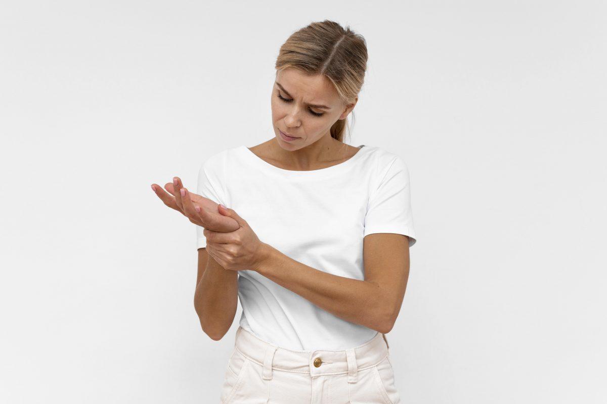 Zespół cieśni nadgarstka – jakie ćwiczenia pomogą zapobiec niedokrwieniu nerwów?