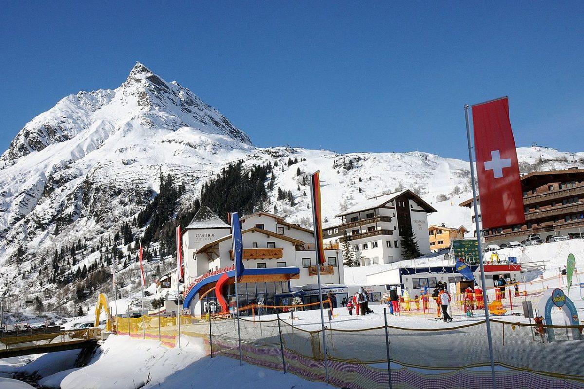 Szkółka narciarska lub snowboardowa – sprawdzony sposób na zimowy biznes