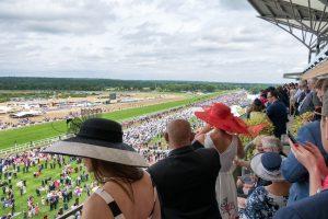 Royal Ascot – najsłynniejsze wyścigi konne przepełnione blichtrem i luksusem