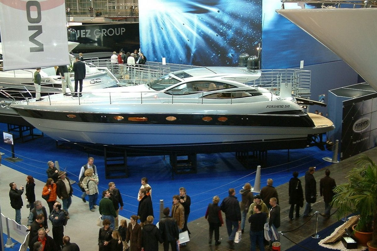 Od małych pontonów po luksusowe jachty – jak wyglądają największe targi żeglarskie na świecie?
