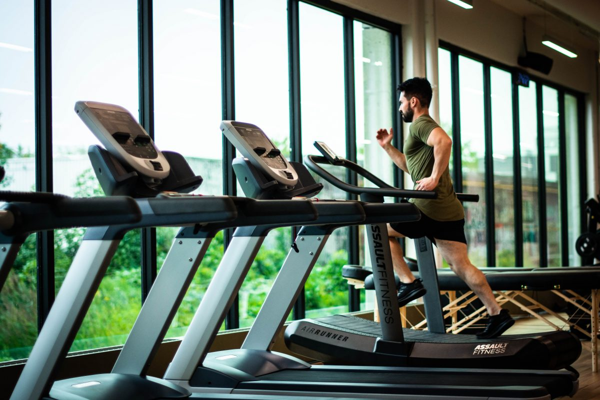 Krajobraz branży fitness po odmrożeniu – milionowe długi i nowy porządek sanitarny