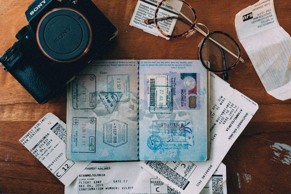 Jak wyrobić paszport? Krok po kroku przez urzędnicze formalności